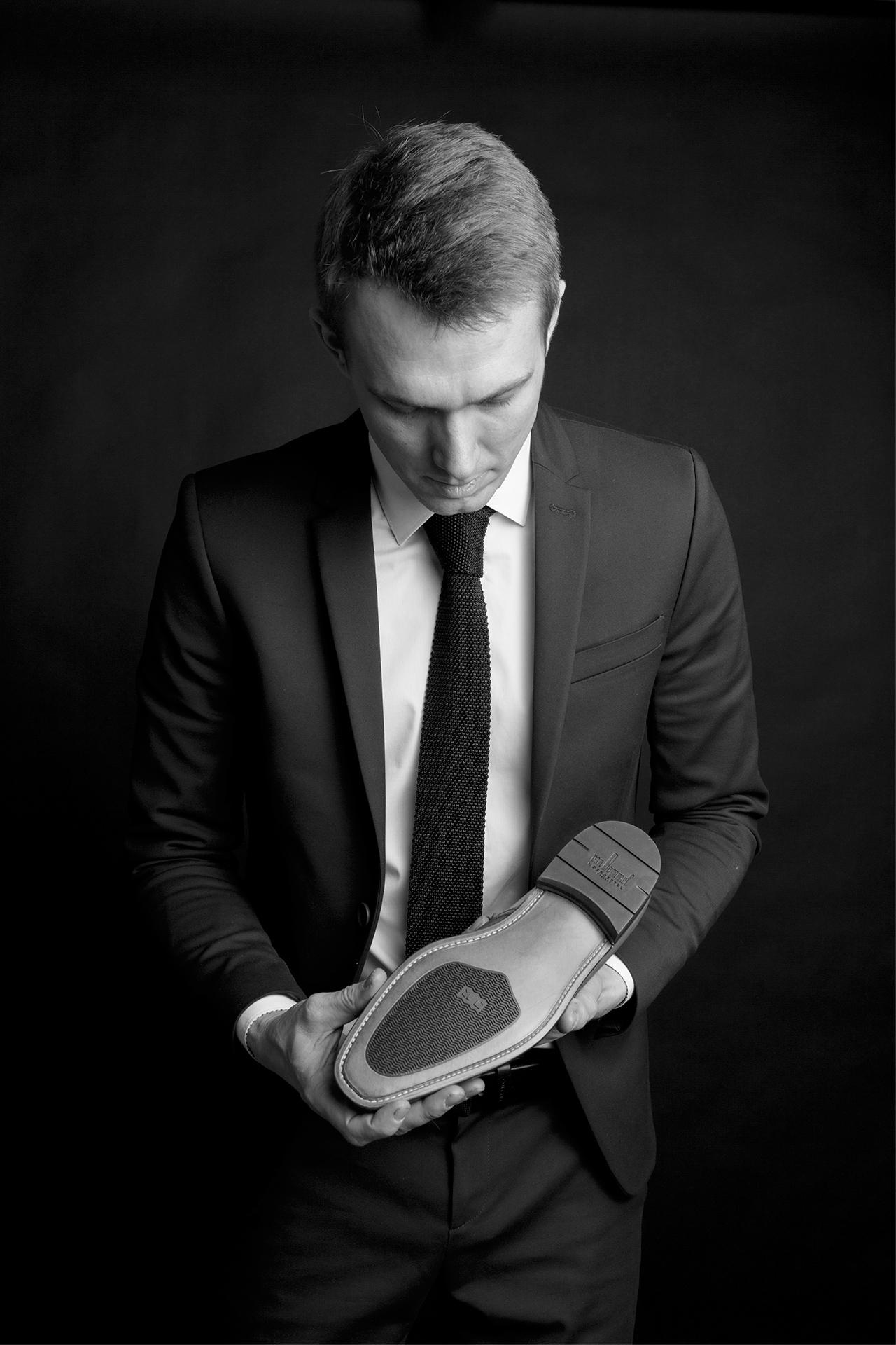 SchoenArtiest Arne met gerepareerde Goodyear-welted Van Bommel schoen